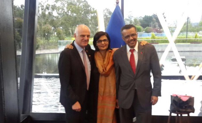 David Nabarro next to Sania Nishtar and Tedros Adhanom Ghebreyesus